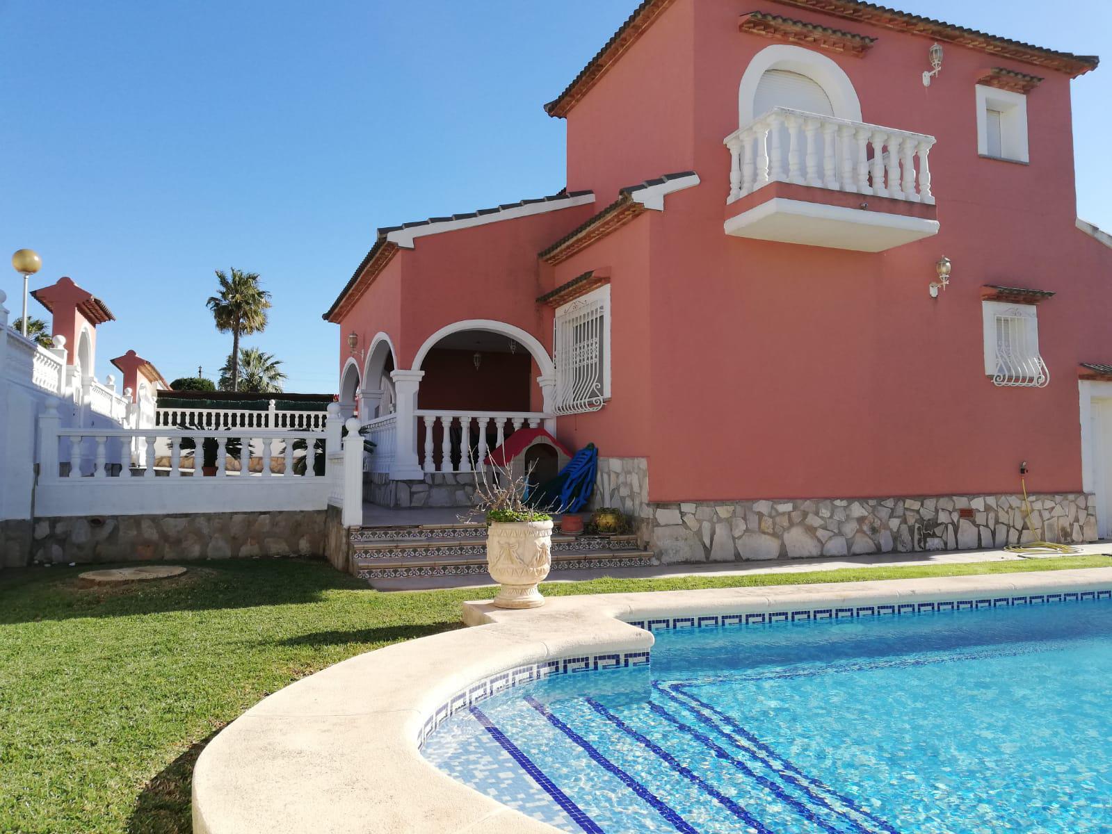 Villa -                                       Els Poblets -                                       5 Schlafzimmer -                                       10 Personen